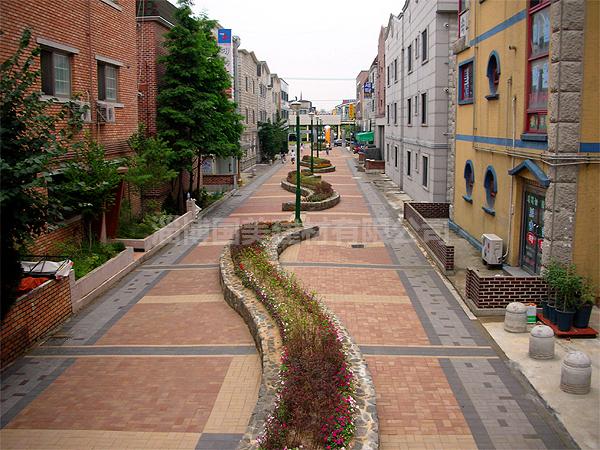 陶瓷透水砖道路铺装案例