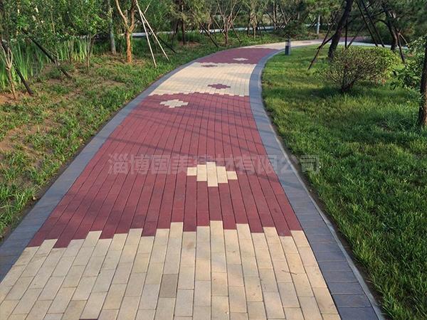 公园透水砖铺装