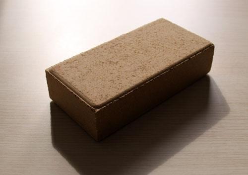 陶瓷透水砖不脱色的原因